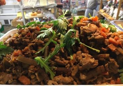 地域と畑の見えるいちばのランチ 豚と根菜のすき煮