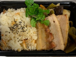 月間ご当地食堂  日替わりはサムギョプサル風 焼き豚