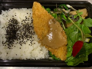 月間ご当地食堂 日替りは白身魚のフライ 平戸ドレッシング