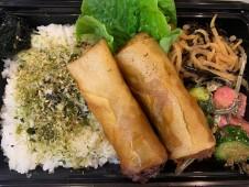 月間ご当地食堂 日替りは西伊豆旨み春巻き  いちばのキャベツと鰹風味の和風春巻き
