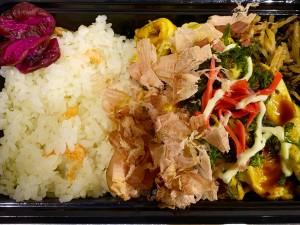 月間ご当地食堂 日替りは産直キャベツをたっぷり使った 豚肉ともやしの  とん平焼き 西伊豆町バージョン