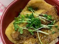 月間ご当地食堂 日替りはタチウオ蒲焼き丼