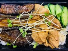 月間ご当地食堂  日替りは長茄子と鶏の蒲焼き重