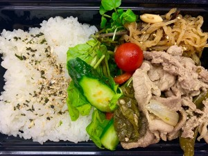 月間ご当地食堂 日替わりはいちばの野菜たっぷり!豚生姜焼き
