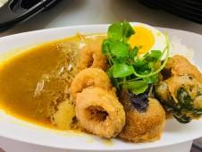 月間ご当地食堂 日替りは魚介の旨みたっぷり!いちばのスープカレー