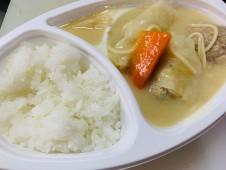 月間ご当地食堂  日替わりは産直キャベツの手作りロールキャベツ ごろごろ野菜・肉団子入り
