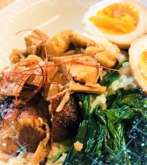 台湾屋台のルーロー飯(スープ付き)
