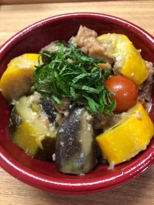 ご当地産直ランチ いちばの産直有機夏野菜のグリーンカレー丼