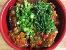 ご当地産直ランチ 「越の丸茄子」を使った麻婆茄子丼