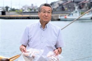 【上越漁業協同組合小野清隆さん】「糸魚川の漁港は魚を獲るところから水揚げ、輸送、加工に至るまで最先端の方法で魚の鮮度と美味しさ、さらには衛生管理までこだわりぬいています。」と熱く語る小野さん。