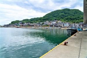 【糸魚川の漁港付近】日本海の荒波にもまれた魚たちはここで水揚げされています。