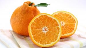 長期保存熟成を行うことで、果実の尖った酸味がじっくり抜かれ甘みが増します。