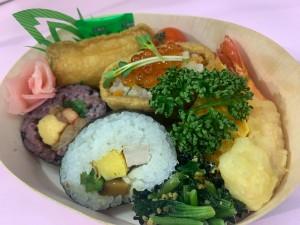 数量限定!加須産の米、葉わさび、トマトなど食材をふんだんに使った贅沢な助六弁当