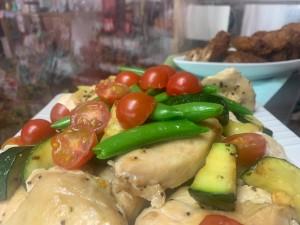 平戸じげもん新鮮野菜と鶏のボリュームサラダ