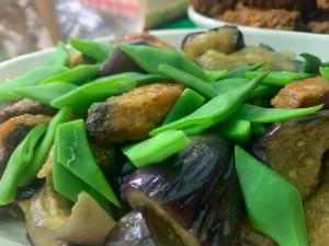 山口ハガツオと平戸インゲン、茄子のスイートチリ炒め