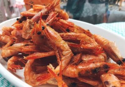 火曜・金曜はいちばのご当地弁当販売日! 本日の主菜は糸魚川甘エビ唐揚げ、佐賀のソウルフードお魚ミンチコロッケなど